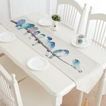 テーブルランナー 枝に並ぶ青い小鳥たち 水彩画風 タッセル付き 【送料無料】