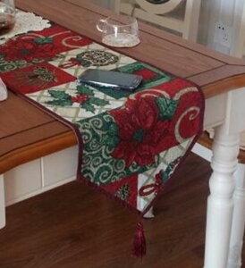 テーブルランナー 赤いポインセチア クリスマスデザイン タッセル付き 【送料無料】