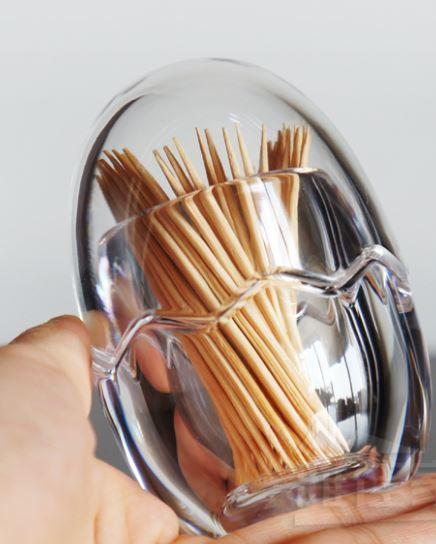 爪楊枝ケース卵型エッグモチーフクリア透明アクリル製