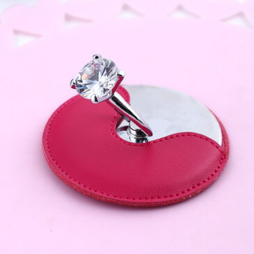 コンパクトミラー 大きなダイヤのリング付きスタンド 丸型 レザータッチのカバー付き (ローズ)