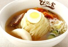 盛岡冷麺の魅力は、「麺」「スープ」「キムチ」のバランスにあります!!送料込!!ぴょんぴょん...