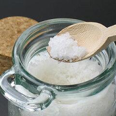 1760個完売!プレミアム・シーソルト~塩職人が収穫した天日塩~(150g瓶入り、木製スプーン付)