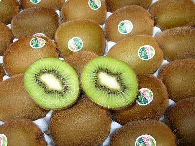 ニュージーランド産グリーンキウイフルーツ33玉入り