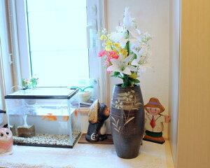 信楽焼 花瓶 黒 花彫り 櫛目 おしゃれ 一輪挿し 大きな 花入 北欧 陶器 大型 花びん 花器 フラワーベース 寸胴 投入れ 信楽 信楽焼き やきもの (MR9089-05G)