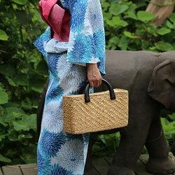 ウッドハンドル・スクウェアかごバッグストローバッグウォーターヒヤシンスレディース鞄雑貨ランチバッグエコバッグトートバッグ手提げ小物入れ婦人用レジャー夏ストローバッグアジアンラタン水草天然素材