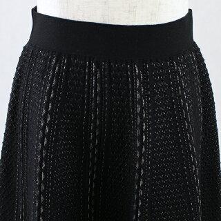 ジャガードめくれ柄ニットミモレ丈フレアスカート(ブラック/Mサイズ)