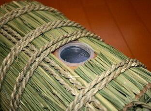 蓋を開け閉めして簡単にお米を入れることも出来ます。