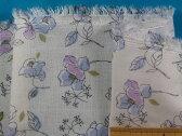 綿ダブルガーゼ生地花・オフ白×薄紫系