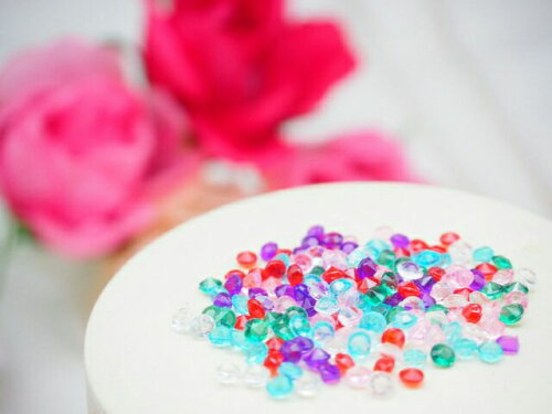 小さなクリスタルダイヤカレット 6色MIX 欠片 粒★小さなダイヤ型のカレットです★レジン レジン封入 ガラスドーム ネイル レジン枠 アクセサリー 素材 材料