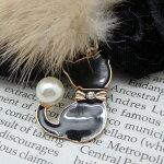 ☆~~ベルベット黒・キュート・白猫のチャーム付き,.,.,.***NEW!☆~~白猫・ブラックファーボール~~猫柄のシュシュ!!******???***限定販売!!