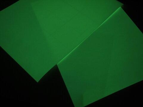 蓄光テープ「蓄光粘着シール」根元特殊化学 ルミノーバシートM-095-200-A
