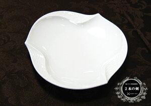 陶磁器の最高峰マイセン、ここに覇を唱える。マイセン(Meissen)波の戯れホワイト ディッシュ 53576