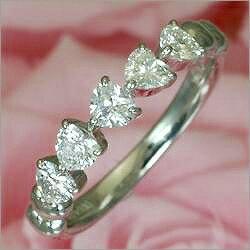 [高級VVSダイヤ][P5倍]《石田ゆり子さん使用》Ptハートダイヤリング[]*結婚指輪(マリッジリング)としても人気です!*【結婚5周年】【記念日プレゼント】【自分にご褒美】【ダイヤモンド】【誕生日】