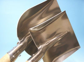 アルミの雪用スコップ(通称雪スコ)石炭スコップタイプ