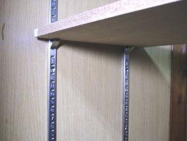 ステンレス棚受けレール 182センチ(通称ダボレール・ダボ柱)