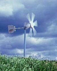 弱い風でもサラサラ回る風力発電機FM910