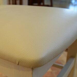 ホワイトカラーのチェア可愛らしいホワイト天然木使用ビンテージホワイト白ミッドセンチュリー北欧テイストカントリー1Pチェアダイニングチェアおしゃれかわいいチェアー