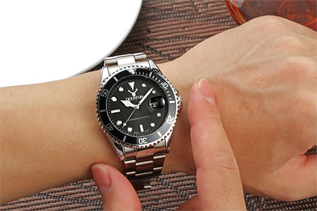 DEERFUN 3針 拡大デイト (日付) / 回転ベゼル(逆回転防止機能) タイバー風 メンズ クォーツ腕時計 /黒文字盤  黒-青ベゼル (ステンレス)
