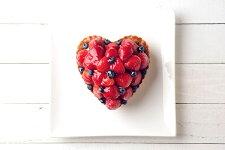 ハート型のいちごとブルーベリーのタルトバースデーケーキ、記念日ケーキ用に!記念日☆【バースデイケーキ】02P09Jul16