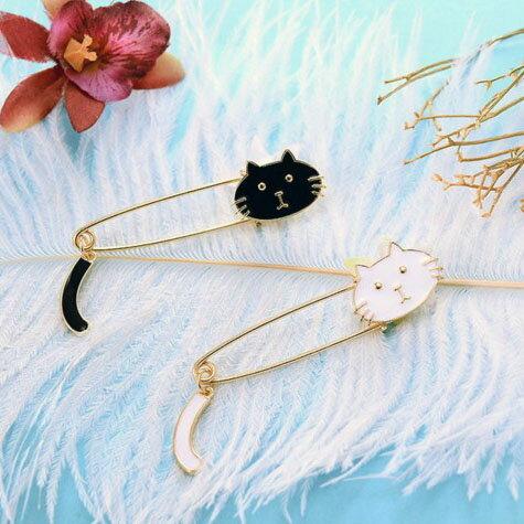 【訳あり】黒猫or白猫のしっぽつきブローチ