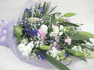 お手軽なお供え花束です。送料込み価格♪お悔やみのお花。お供え生花。お盆・お命日・お彼岸に...