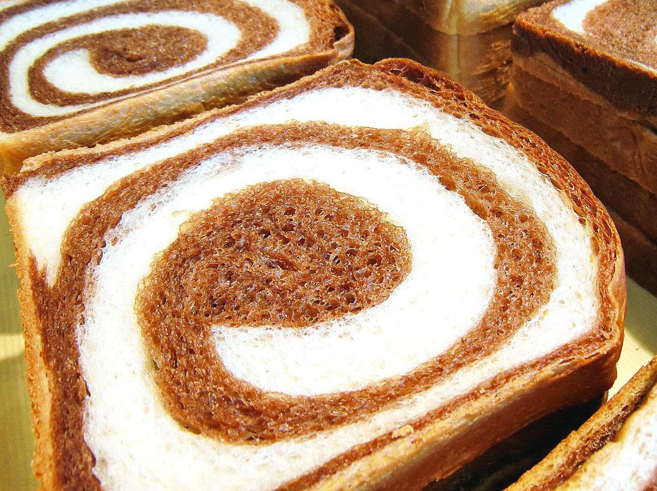 ココア・マーブル食パン