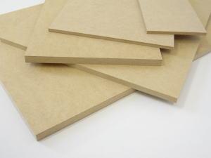 安定した素材だから扱いやすい。MDFは家具材としても注目!MDF 【2.5×300×900mm】