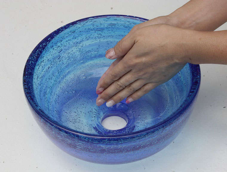 琉球ガラスの手洗いボウル[潮騒 青水] 小ぶりなコンパクトサイズ[送料1620円][即納]NO-15/径24CM:沖縄南の島陶芸工房