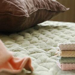 マイクロファイバー敷きパッドはおめざめにおまかせ♪お洗濯OK! 清潔素材。シットリふわふわ暖...