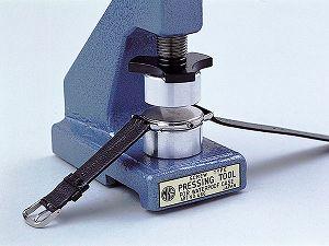 【明工舎製作所】MKS日本製ネジ式挿入器コジ開けの裏蓋を閉めるMKS-46610-NEJI※アタッチメントは別売りです。