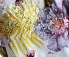 【再入荷♪5月29日12時&22時より】「pave」水彩画の様な花にレースをあしらった上品Tシャツトップス