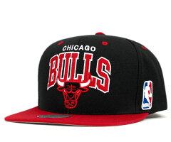 ミッチェル&ネス キャップ スナップバック シカゴ ブルズ リバース ブラック 帽子 MITCHELL&NESS CAP NBA CHICAGO BULLS REVERSE ARCH LOGO SNAPBACK BLACK [ スナップバック キャップ サイズ調整 大きい サイズ メンズ レディース ][BK] #CP:S