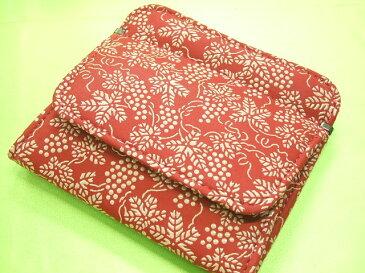 印伝 小銭入れがパッカリ開く財布赤地に白漆のぶどう