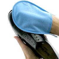 ブリン靴手入ミット(仕上げ磨き用クロス)で磨き上げます