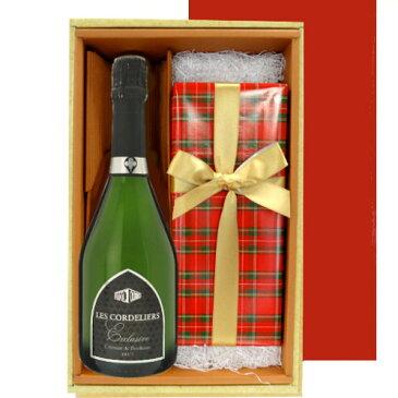 クリスマス スパークリングワインとケーキのギフトセット フランス クレマン・ド・ボルドー 辛口 750ml ドイツ クーヘンマイスター 伝統的なシュトーレン ギフト箱