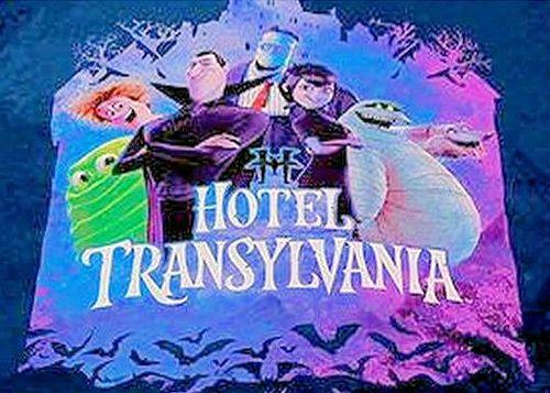 ファンは大喜び/モンスタ-でも楽しく怖くない/ホテル総支配人ドラキュラ伯爵がモンスタ-全員が安全に過ごせるホテルを建設【モンスター・ホテルHotelTransylvania】娘のメイビス/フランケンなど全員主役/掛け布団カバー&枕カバー/今夜はよく眠れそう/リバーシブル