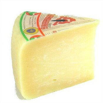 【7,426円 】羊乳 セミハード チーズ ペコリーノ トスカーノ スタジオナート 約500g Kgあたり価格 不定貫 イタリア産 毎週水・金曜日発送