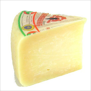 ペコリーノ・トスカーノ スタジオナート (蔵) 約500g 不定貫 Kgあたり7,426円(税込)イタリア産 チーズ