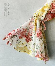 ブラウス。アイボリー。優しいオーラを漂わせるベル袖花柄ボウタイブラウス。3/1222時販売新作〇メール便可