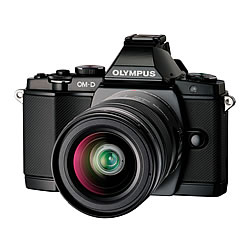 OLYMPUS OM-D E-M5 レンズキット ブラック【新品】【在庫品】[送料無料 (一部特殊地域を除く)]