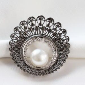 シルバー南洋真珠ブローチ14.2mmヨコ4.5xタテ4.5b-81【フォーマル】【ブローチ】【白蝶真珠】【送料無料】【卒業式入学式】【お祝い】【結婚】