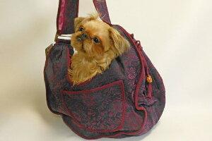 いつも一緒にいたいワンちゃんにぴったりの抱っこバッグ。PetFlysPuppyPouchSlingFifiFlorette/ペットフライパピーポーチスリングフィフィフロレッテ
