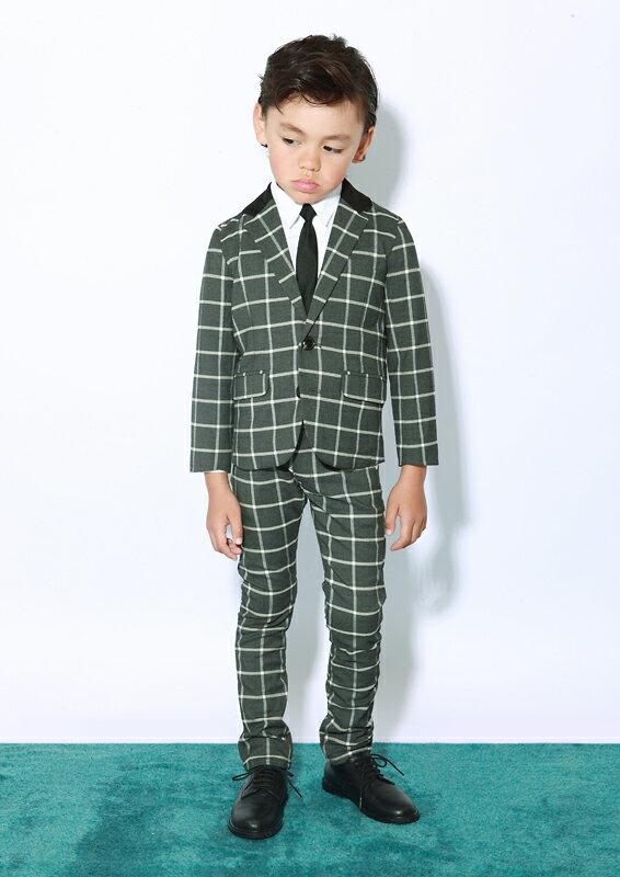 8985d2abdbbfd 洗練された細身のシルエットながら着心地や機能性も追求された、子供服ブランドGENERATOR(ジェネレーター)のドレスライン。卒園式・入学式に。