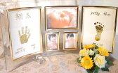 手形足形をゴールドカラーにして飾れるガラスフォトスタンド【送料無料】【楽ギフ_名入れ】【楽ギフ_メッセ入力】【楽ギフ_のし】【楽ギフ_包装】