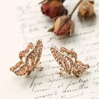 横向き蝶々が華麗なピアスシトリンオレンジカラーのラインストーンが輝くバタフライモチーフゴールドベース蝶激安レディース