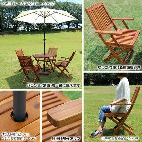 大きくて使い易い八角テーブルは折り畳み可能