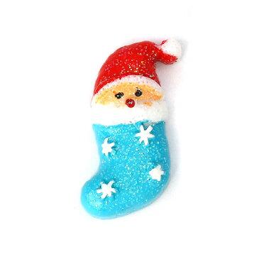 プラスチックカボション 靴下のサンタクロース 約28×18×8mm(2個入)/ xmas クリスマス オーナメント 装飾 樹脂パーツ 貼り付けパーツ 埋め込み 素材 ラメ きらきら デコパーツ セッティングパーツ 装飾パーツ アクセサリーパーツ ハンドメイド材料【ゆうパケット対応】