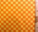 手芸のピロルで買える「プリント生地 市松模様 ( イエロー オレンジ ( 鬼滅の刃 和柄 格子 マスク ブロード いちまつ もようきめつのやいば 」の画像です。価格は66円になります。