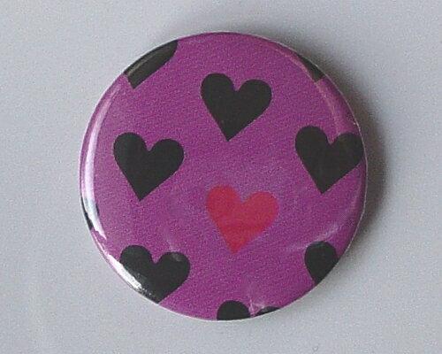 ◆Many Heart PUR◆ミニハート☆ロゴ 缶バッジ◆London ストリート マーケットから直輸入♪