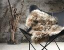 NATURESCOLLECTIONシープスキンライトブラウン羊の毛皮ラグジュアリー感インテリア一人掛けの椅子にちょうどいいサイズ送料無料お取り寄せ商品北欧インテリアにかかせないアクセント